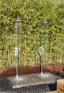 Outdoor showers by Kos